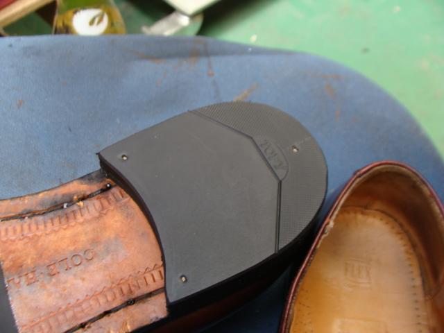 ソール剥がれ修理 底縫い ハーフソール補強 かかとゴム交換 COLE ...