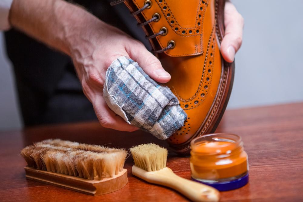 素材に適した靴クリーナーの使用