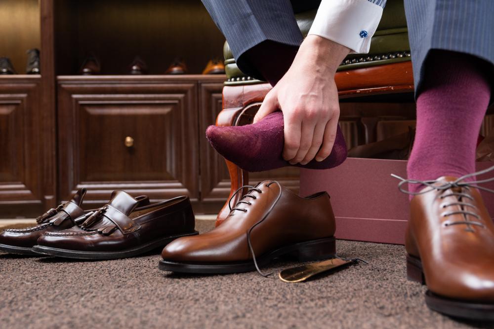 足に合った靴を履いていますか?意外と知らない足のサイズの測り方を解説