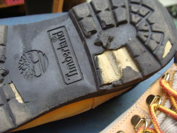 オールソール修理11500円+消費税 Timberland ティンバーランドフィールドブーツ ベージュ 加水分解サムネイル