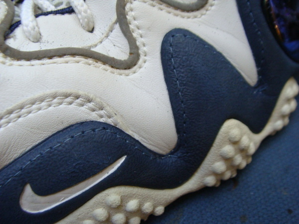 ソール剥がれ修理 縫い付け対応4000円+消費税 NIKE ナイキズームバスケットボールシューズサムネイル