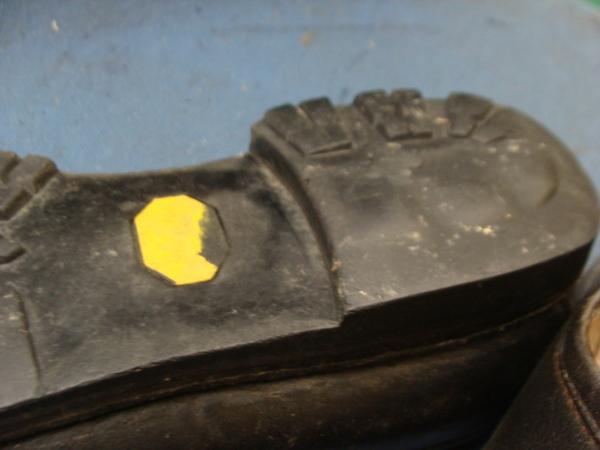 オールソール修理12500円+消費税 DOLOMITE ドロミテコルチナ ここまで履きました!滑り革とパイピングもサムネイル