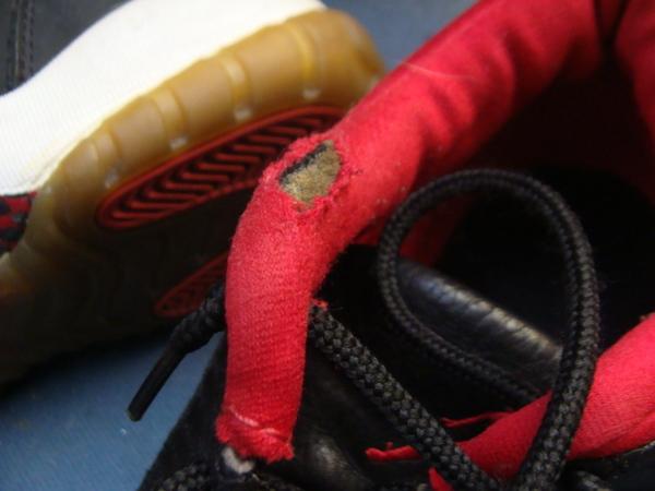 ソール剥がれボンド接着2000円+消費税 履き口スポンジ破れ修理1500円+消費税 NIKE ナイキバスケットボールシューズサムネイル
