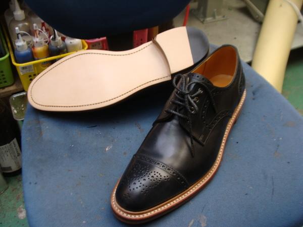 カスタム修理 Vibram#100ソール+グッドイヤーヒール まだ新品な紳士革靴 13500円+消費税サムネイル