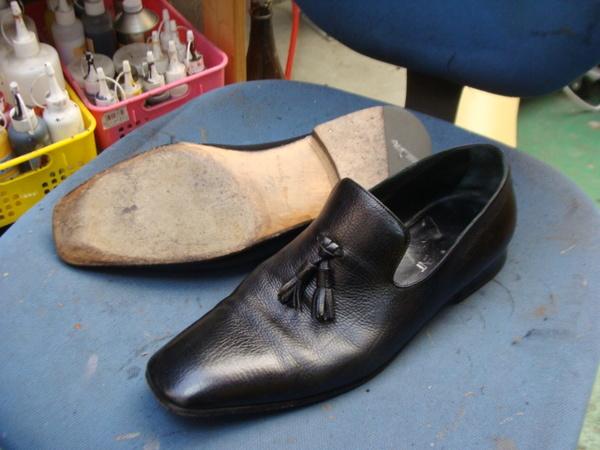 オールソール修理12500円+消費税  YSL イヴ・サンローラン紳士革靴 YvesSaintLaurentサムネイル