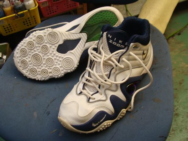 ソール剥がれ修理 縫い付け対応 4000円+消費税 NIKE ナイキズームバスケットボールシューズ ネイビー系サムネイル