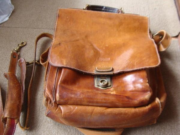 BREE 紳士シュルダーバッグ 持ち手 ショルダーベルトを新しく作り直し 28000円+消費税サムネイル