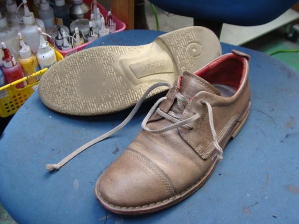 かかとコーナー修理 2300円+消費税 Ecco エコー紳士革靴サムネイル
