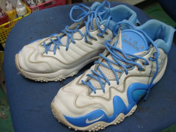 ソール剥がれ修理 縫いつけ対応  Nike ナイキエアーズームフライト 水色系サムネイル
