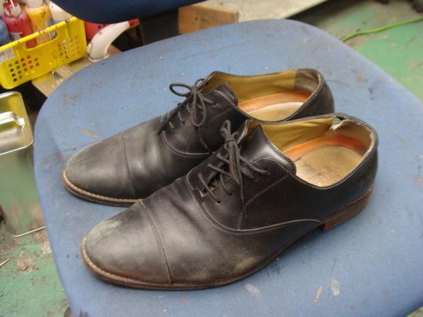 かかとゴム交換2300円+消費税 滑り革修理2800円+消費税 COLE HAAN コールハーン紳士革靴サムネイル
