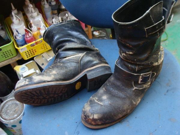 オールソール修理 その他 13500円+消費税 CHIPPEWA チペワエンジニアブーツ かなり履き込まれていますサムネイル
