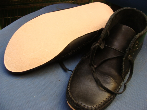 CONVERSE 2足のコンバーススニーカー 滑り革修理サムネイル