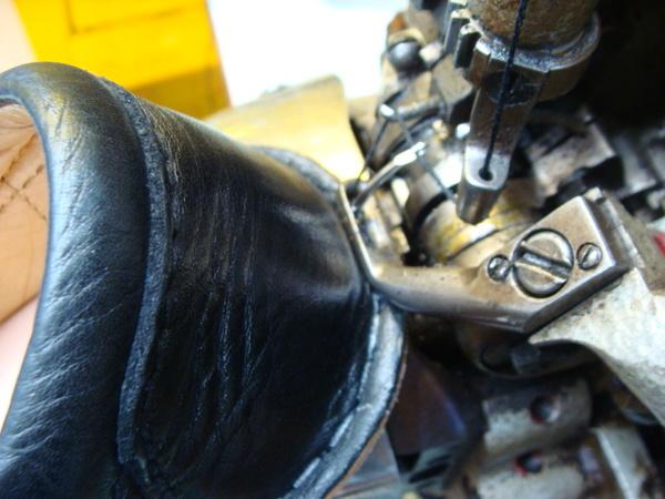 Clarks wallabees 珍しいクラークスワラビー かかと部分のみ修理サムネイル