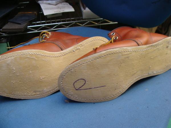 定番修理 婦人パンプスのピン付きリフト交換 履きすぎですねサムネイル