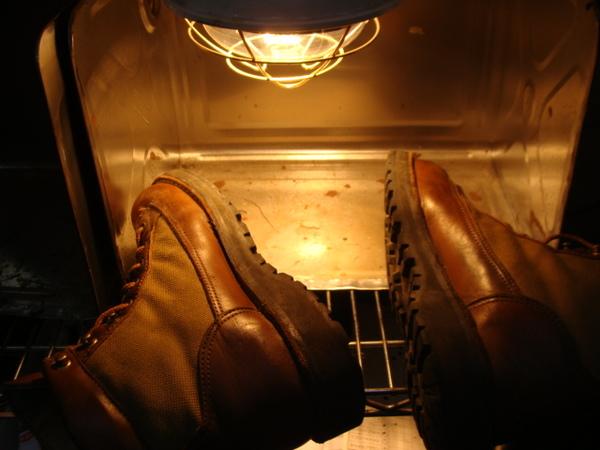 年代物の紳士靴 まだ健在ですね。ハーフソール補強しますサムネイル