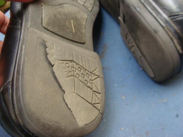 ウレタン系のソール仕様の紳士革靴 ヒール交換サムネイル