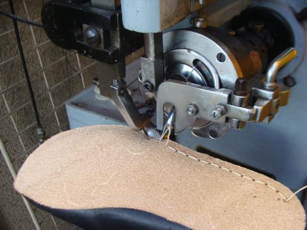Clarks カスタム仕様 クラークスワラビーブーツ オールソール修理サムネイル