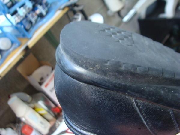 婦人ウォーキングシューズ かかと部分修理 コーナー修理サムネイル