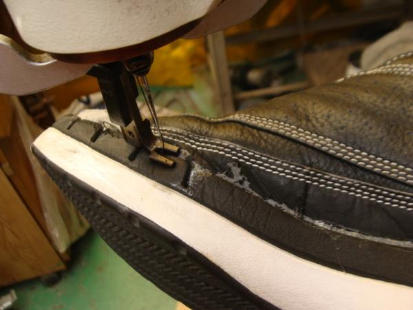 CONVERSE All Star バッシュ 2足いっぺんに かかと部分修理 コーナー修理サムネイル