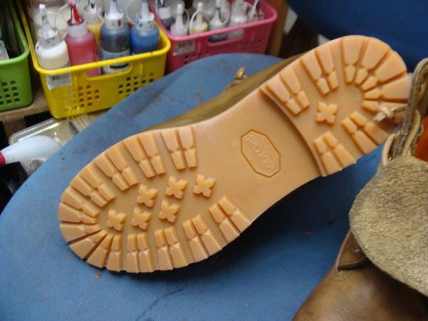 小指のところに穴が空いちゃった 紳士革靴サムネイル