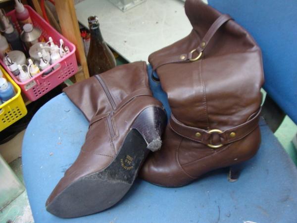 ピン付きリフト交換1200円+消費税 婦人用のブーツですサムネイル