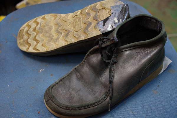 オールソール修理 11500円+消費税 モカシン破れ修理2000円+消費税 アイリッシュセッター?どこの靴なんでしょうか。サムネイル