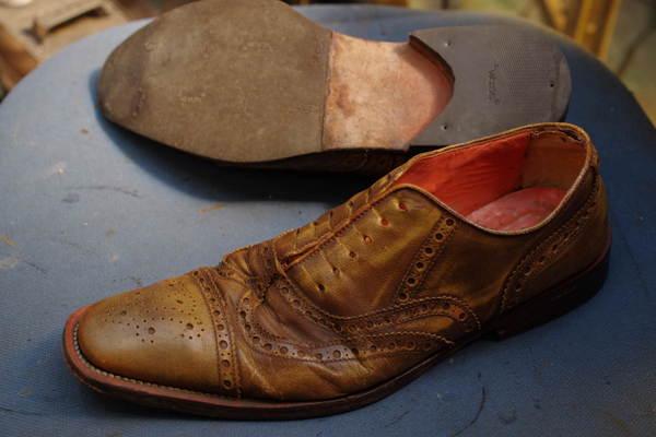 オールソール修理12500円+消費税 厚手のタイプご希望 滑り革修理2800円+消費税 紳士革靴サムネイル
