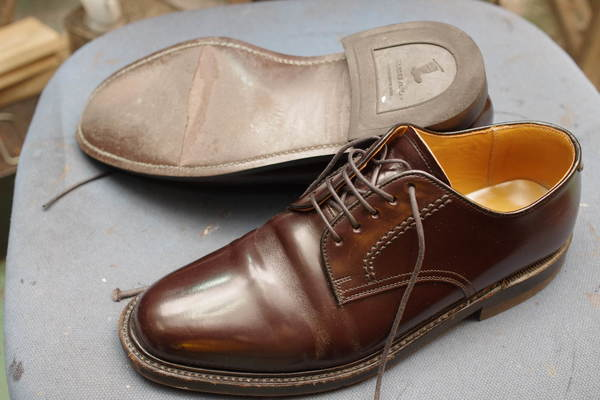 REGAL リーガル紳士革靴 オールソール修理 12500円+消費税 ダイナイト仕様 ソール割れサムネイル