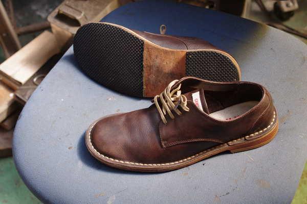 ソール交換 10500円+消費税 CAMPER カンペール紳士革靴 Vibram#2021にてサムネイル