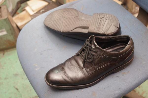オールソール修理 12500円+消費税 ROCKPORT ロックポート紳士革靴 ウレタン系からVibram#430へサムネイル