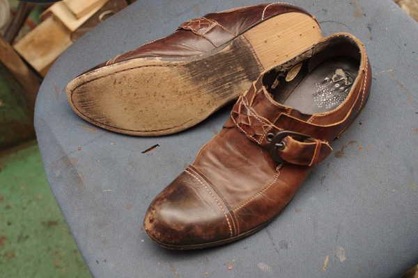 オールソール修理 12500円+消費税 REGAL リーガル 紳士カジュアル系革靴サムネイル