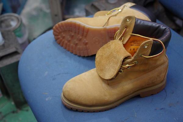 オールソール修理 12000円+消費税 Timberland ティンバーランドフィールドブーツ ソール剥がれのこの機会にサムネイル