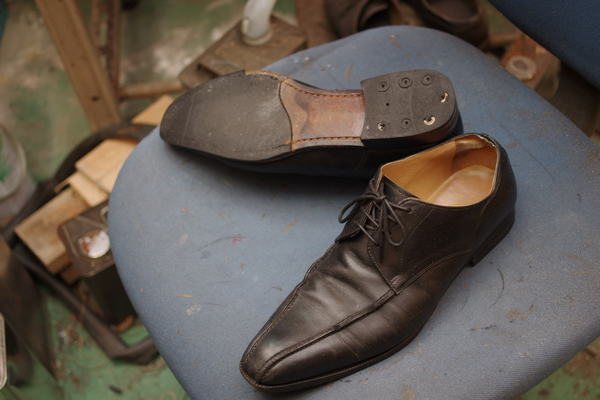 オールソール修理 13500円+消費税 紳士革靴 サムネイル