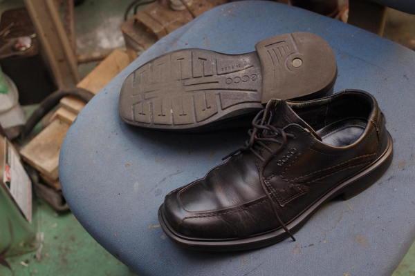 オールソール修理13500円+消費税 Ecco エコー紳士革靴 サムネイル
