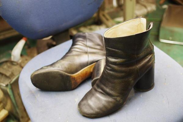 東京都 S様 マルジェラ紳士ブーツ ヒール巻革張り替えなど色々 サムネイル
