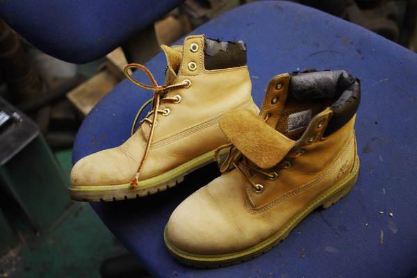 兵庫県 O様 Timberland ティンバーランド 履き口スポンジ 表皮張り替え 経年劣化 合成皮革サムネイル