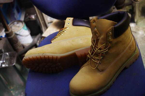 島根県 M様 Timberland ティンバーランドフィールドブーツ 履き口スポンジ張替え 経年劣化 内張りもサムネイル