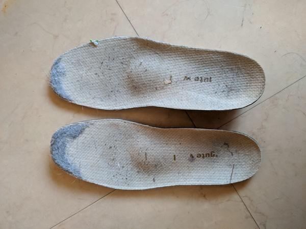 オーダーインソール 50代女性 関節リウマチによる脚長差サムネイル
