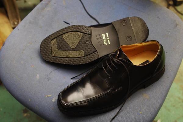 愛知県 S様 Daks ダックス 紳士革靴オールソール修理サムネイル