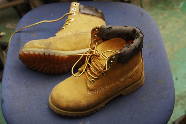 岐阜県 S様 Timberland ティンバーランド フィールドブーツ 履き口スポンジ表皮張り替え 経年劣化サムネイル