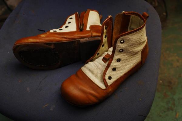 千葉県 I様 婦人カジュアルショートブーツ オールソール修理サムネイル