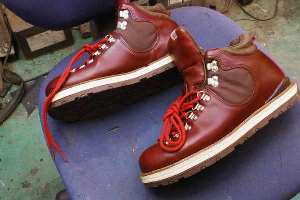 神奈川県 N様 紳士ブーツ オールソール修理 ソール剥がれ 接着が難しい サムネイル