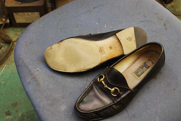 東京都 S様 GUCCI グッチ 婦人革靴 ローファ オールソール修理 つま先補修 マッケイ縫いサムネイル