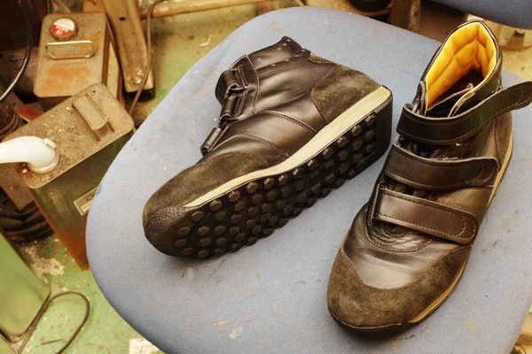 岐阜県 E様 German pilot sneaker ミッドソール交換 加水分解 EVAスポンジサムネイル