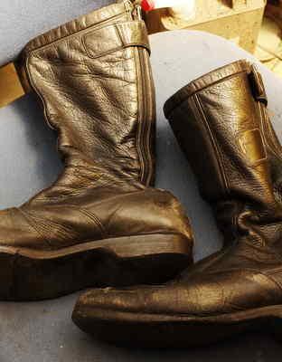 倉敷市 Y様 KUSHITANI TOURING BOOTS ライダースブーツ オールソール修理 Vibram#700にてサムネイル