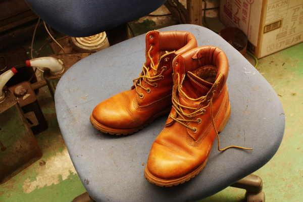 東京都 N様 Timberland ティンバーランド 履き口スポンジ表皮張り替え 破れ 八方ミシンサムネイル