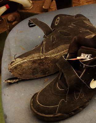 東京都 K様 NIKE ナイキエアジョーダン 加水分解 カスタムオールソール修理 オパンケ縫い マッケイ縫いサムネイル