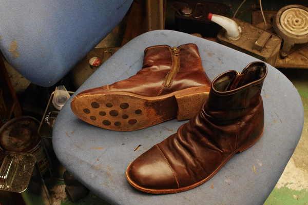 広島県 Y様 CAMPER カンペール 紳士ブーツ ハーフソールゴム かかとトップゴム交換サムネイル